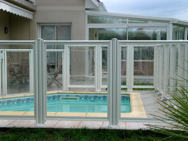 Page 52 pour la securite des piscines barrieres for Barriere de securite piscine castorama